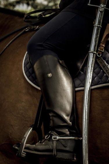 乗馬で鐙を上手に踏む人と踏めない人のわずかな違いとは ~鐙を踏むスピードの違い~